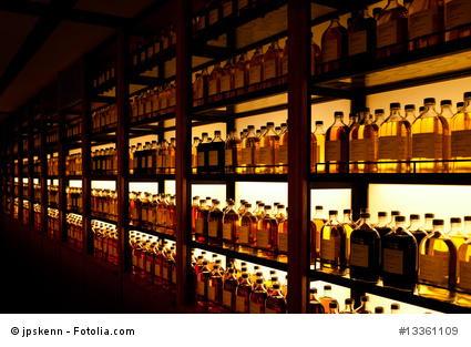 Whisky immer stehend lagern.